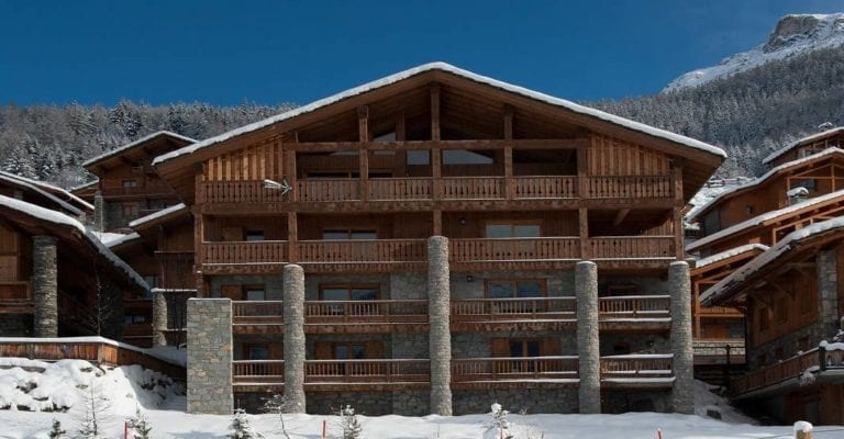 Chalet The Peak 8 Bedrooms - sleeps 15, Sainte-Foy