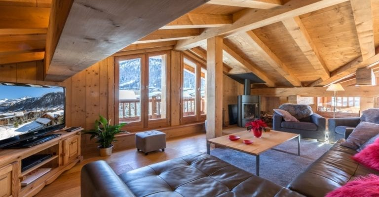 Chalet Eterlou 4 Bedroom apartment, Val d'Isère.