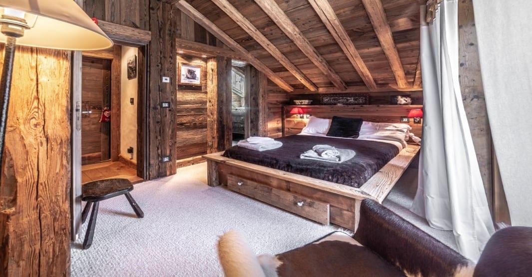 Chalet Tichka 5 Bedroom - sleeps 10, Meribel Le Raffort