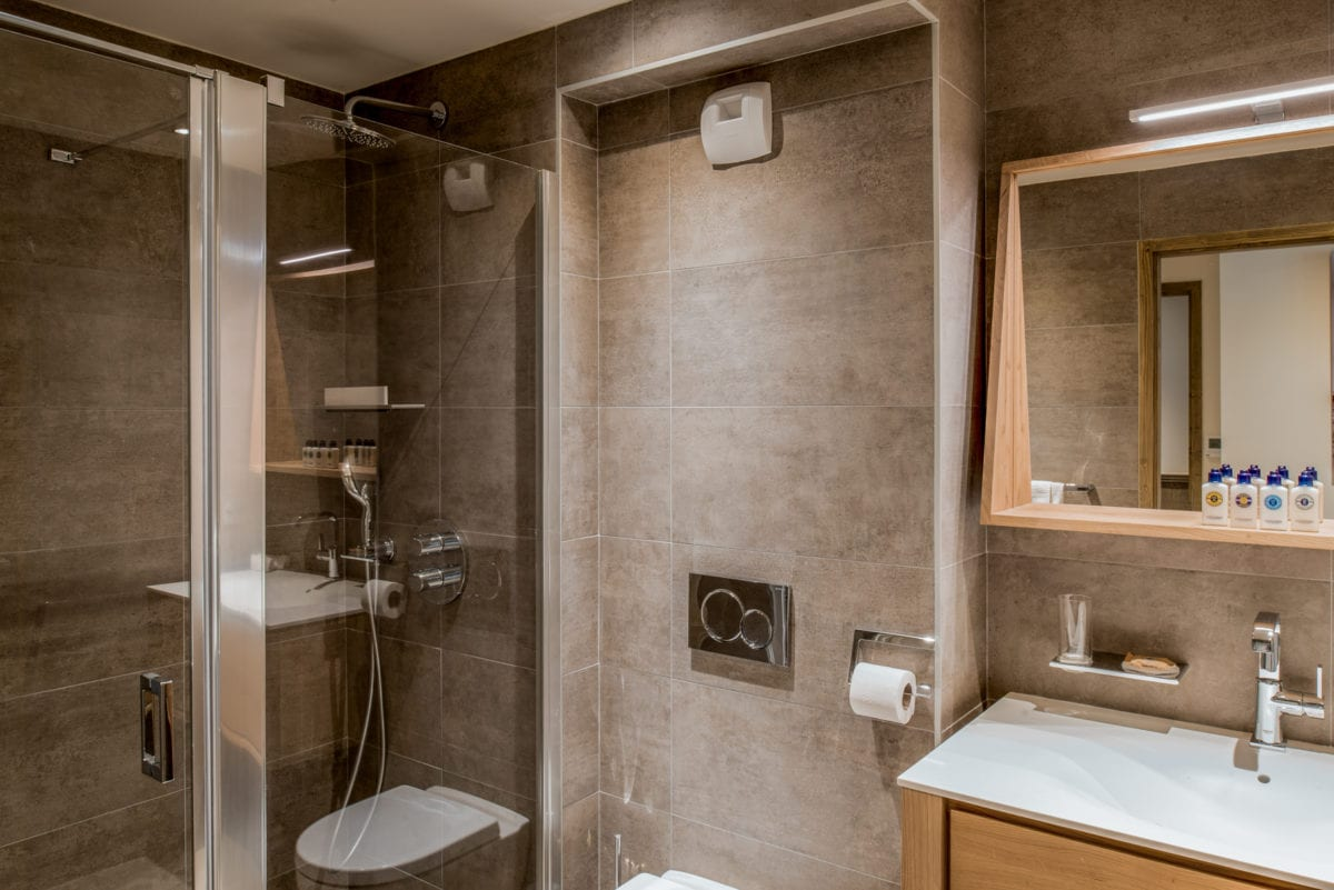 Mammoth Lodge 3 Bedroom Apartment D10 Courchevel Moriond (4)