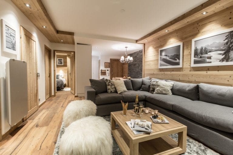 Whistler Lodge 2 Bedroom + Cabin Apartment Courchevel Moriond (2)